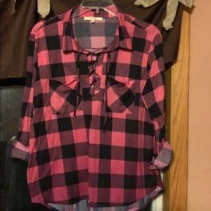 Pink and black checker 3/4 sleeve shirt